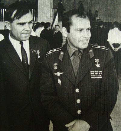 Наш земляк Василий Стеблянко с Германом Титовым.