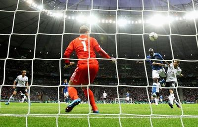 Гол Балотелли. Полуфинал Германия - Италия. Евро-2012