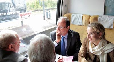 Президент Франции на саммит стран Евросоюза добирался не на самолете, а на обычном поезде. Вместе с Франсуа Олландом в обычном вагоне из Парижа в Брюссель (300 км), где проходил саммит, проехался премьер-министр Испании Мариано Рахой.