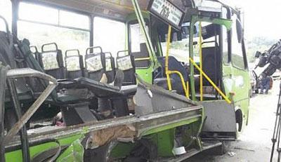 В Харькове маршрутка протаранила грузовик, погибли пассажиры