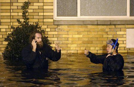 Ураган «Сэнди» обрушился на американский континент южнее Атлантик-Сити, принеся с собой ветер до 150 км/ч и толкая массивный шторм на пляжи и береговую линию. Улицы Бруклина оказались под водой. Жертвами стихии стали 111 человек.