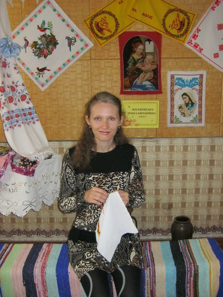 Каждая работа Ирины Васьковой - негромкий рассказ о том, как всё-таки прекрасна жизнь.