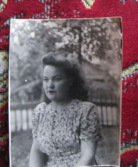 Такой Галина была  в год их свадьбы - 1944-й.