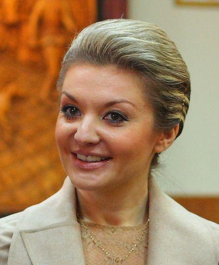 Для Яны Одинцовой воспитательный процесс - норма. Помимо депутатства, она преподаёт социологию в Приазовском государственном техническом университете.