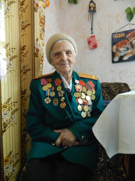 Подполковник Лидия Боюн «при параде» накануне праздника Победы.