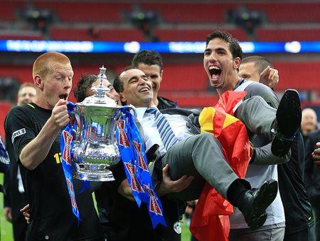 Скромный «Уиган», зависший в Премьер-лиге в полушаге от пропасти, впервые в своей истории выиграл старейший клубный турнир - Кубок Англии. В финале был повержен «Манчестер Сити». Единственный гол в компенсированное время забил Бен Уотсон.