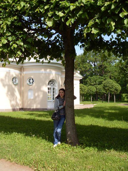 Виктория Бунеева  в парке Екатерининского дворца, Санкт-Петербург.
