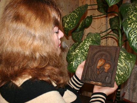 Ирина получила эту икону  в наследство от бабушки.