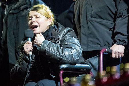 Юлия Тимошенко выступает на Майдане.