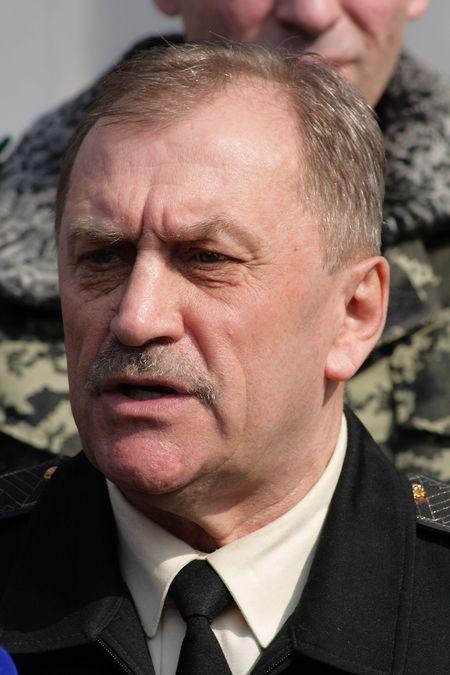 Контр-адмирал Николай ЖибарЁв не теряет надежды вернуться домой в Керчь.