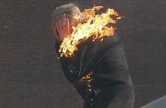 Шокирующие фото столкновений в Киеве. Слабонервным не смотреть!