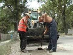 Донецкий губернатор обещает починить дороги