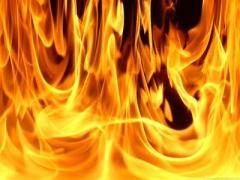 Жертву лисичанского поджигателя планируют перевезти в донецкий ожоговый центр