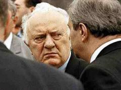 Шеварднадзе извинился перед грузинцами за передачу власти Саакашвили
