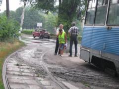 В Днепродзержинске легковушка попала под трамвай (ФОТО)