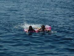 Четырех туристов, отдыхавших в Крыму, унесло в открытое море