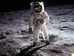 "NASA ""обживет"" Луну"