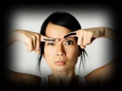 Психологов заинтересовали женские брови