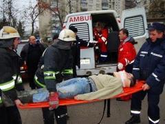 Мужчина упал с чердака и пролежал полсуток в бессознательном состоянии