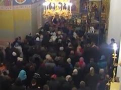 В Свято-Покровский храм на Донетчине привезли мощи святых