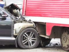 В Краматорске джип врезался в трамвай (ФОТО, ВИДЕО)
