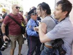 В Киеве избили журналистку. Открыто уголовное производство по двум статьям
