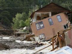 Из-за наводнения пропали без вести около 600 человек (ФОТО, ВИДЕО)