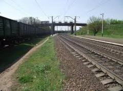 Опасный путепровод встревожил железнодорожников