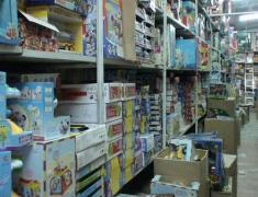В Донецке нашли тысячи игрушек с фенолом и формальдегидом