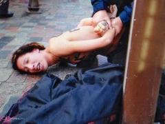 Новый топлес-протест FEMEN: полуголые девицы призвали французов к секстремизму (ФОТО)