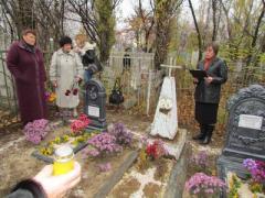В Донецкой области всем городом восстановили могилы фронтовиков