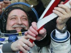 Как олимпийский факел вернулся из космоса на Землю (ВИДЕО)