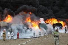 Огненная катастрофа: бензовоз врезался в состав с нефтью (ВИДЕО)