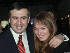 Жена Саакашвили с шипами вместо роз отмечает 20-летие свадьбы (ФОТО)