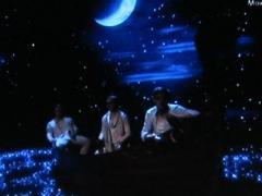 "Чудеса ""Х-фактора"": звездолодка, комната-оборотень и стоматолог-Кикабидзе (ВИДЕО)"