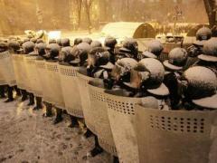 Майданные битвы: снесены баррикады и сервер (ВИДЕО)