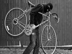 Глупее не придумаешь: сосед по тамбуру украл велосипед в надежде, что на него не подумают