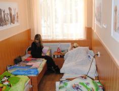 Маленьким пациентам подарили палаты с расписными стенами