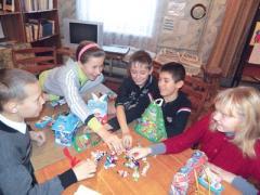 """Акция """"Донбасса"""": качество сладких подарков проверили дети (ФОТО)"""