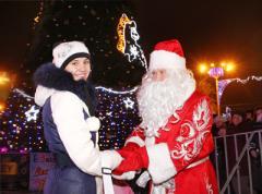 За потрясающий дизайн главной красавицы Донецка детям подарили айподы (ФОТО)
