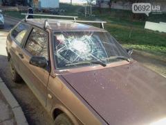 Пьяный музыкант разбил гитарой 10 машин (ФОТО)