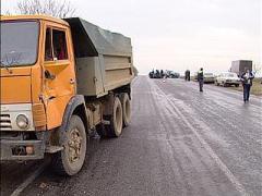 """Страшное ДТП: КамАЗ превратил шоссе в """"дорогу смерти"""""""