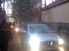Ошибочка вышла: участники Автомайдана извинились за пикет не того дома (ВИДЕО)