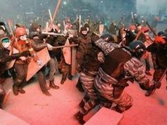 """Мировые эксперты: """"Украинское правительство слишком терпеливо к насилию"""" (ВИДЕО)"""