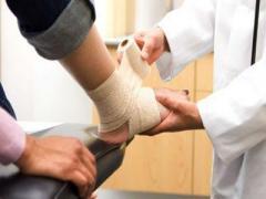 В донецкой травматологии аншлаг, пациенты общаются неохотно (ФОТО)