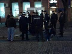 Один из троих пострадавших в Херсоне милиционеров скончался
