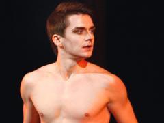 """Звезда балета: """"Янукович - человек из моего детства. Но сейчас я им недоволен"""" (ФОТО)"""