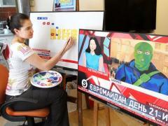 Дончане рисуют Майдан из телевизора и посвящают стихи баррикадам (ФОТО)