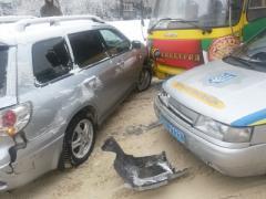 Из-за россиянина в Мариуполе произошла крупная дорожная авария (ФОТО)