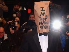 Мода дошла до абсурда: голливудские звёзды массово натягивают на себя пакеты (ФОТО + ВИДЕО)